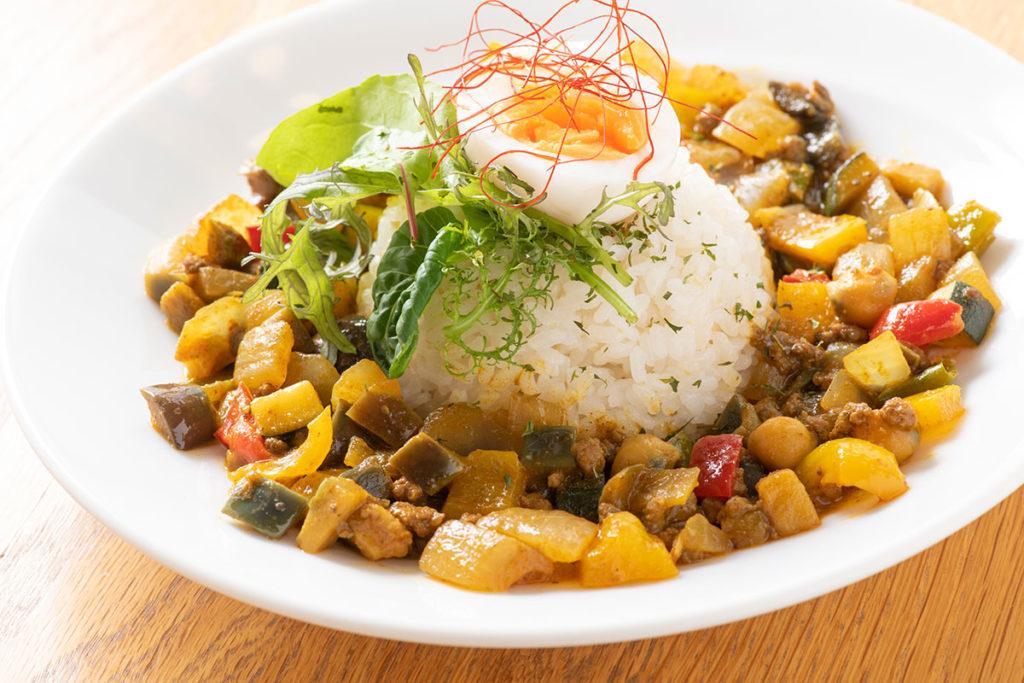 夏野菜と有機ひよこ豆のキーマカレー